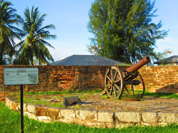 Fort Cornwallis - cannon